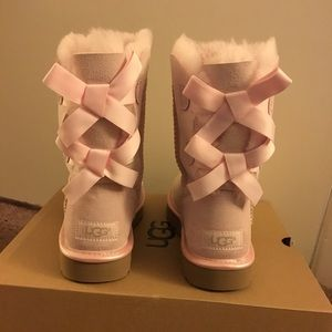 NIB UGG Light Pink Bailey Bow Boots